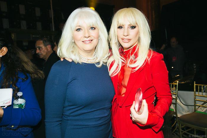 Lady Gaga的母亲将出席世界同性恋运动会