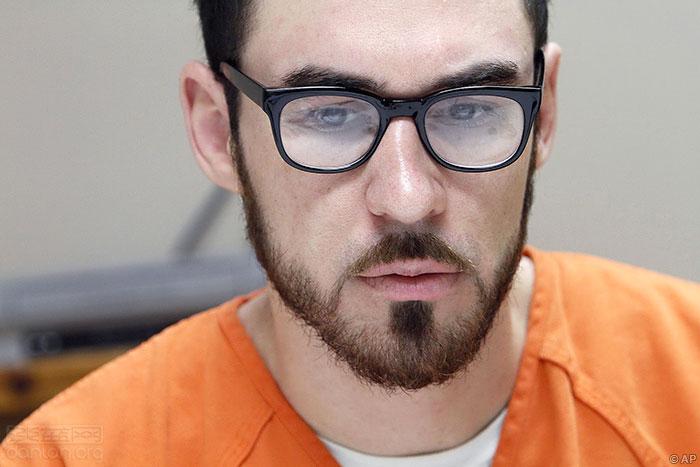 男子谋杀跨性别少女,被判49年监禁
