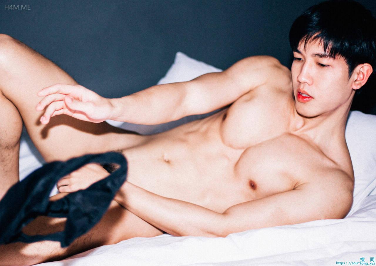 越南帅哥性感肌肉露毛诱惑
