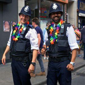盛大的彩虹派对:伦敦同志骄傲巡游