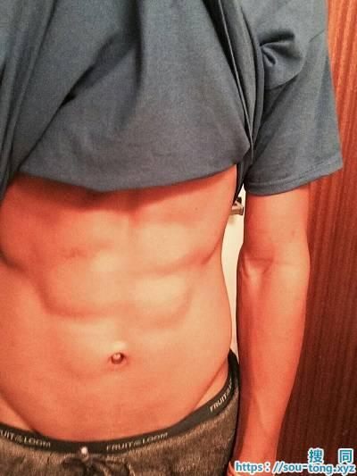 台湾筋肉帅哥的凸凸照