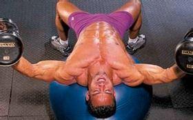 如何锻炼胸肌内侧|肌肉男胸肌