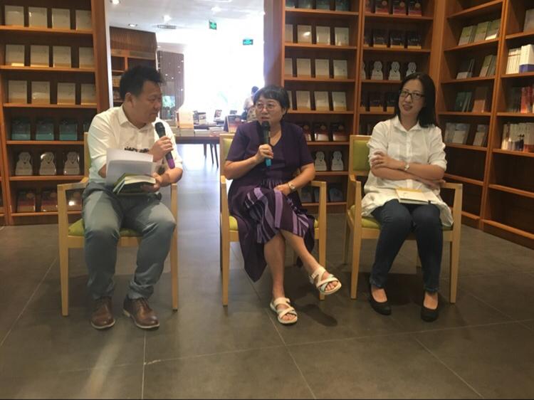 李银河谈王小波:做同性恋研究时曾去厕所偷拍