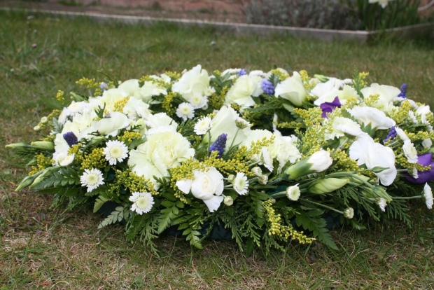美教会官员建议神父拒绝同性恋者葬礼 遭到人权组织谴责