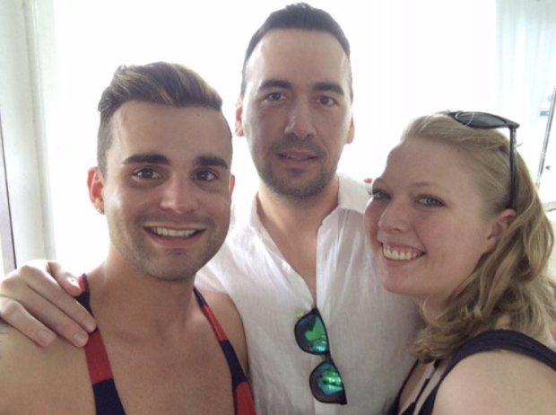 同性恋夫夫共同爱上一名女子 三人组成嬲新家庭