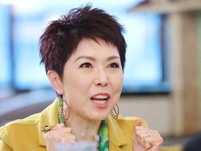 关菊英否认与同性密友再婚 称人生伴侣无性别之分