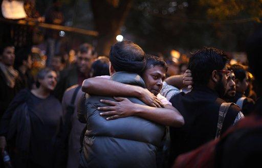 印度最高法院将重新审议同性性行为禁令:社会道德应与时俱进