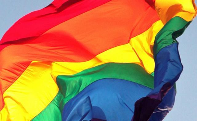 """大马媒体刊登的""""如何识别同性恋""""一文引发争议"""