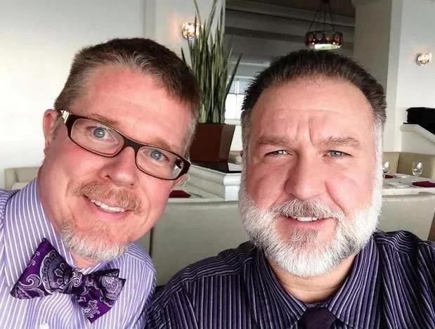 同性恋人难持久?这对恋人晒25年前照片反驳这一说法!