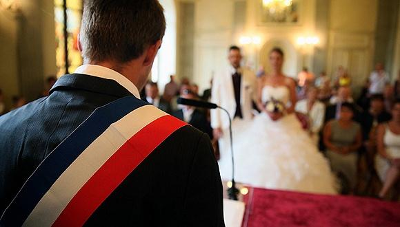 为何说婚姻既过时 又充满了歧视?