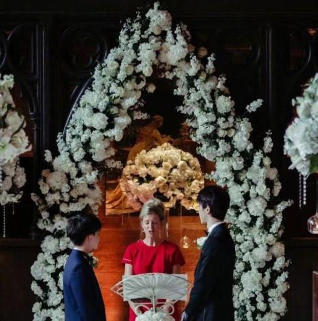 中国同性情侣沈氏夫夫在英国结婚,战胜世俗观念,粉丝祝福