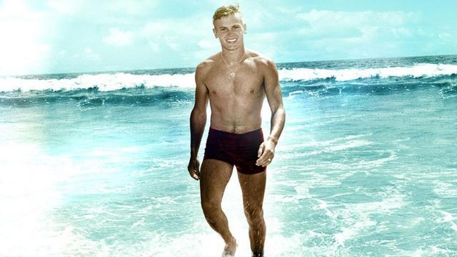 又一传奇偶像隐瞒同性恋身份达数十年 享年86高寿去世