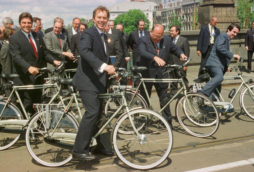阿姆斯特丹的另一面:同性恋、红灯区和自行车的国度