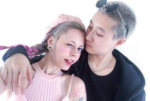 吴卓林摇身成老板与同性女友高调订婚