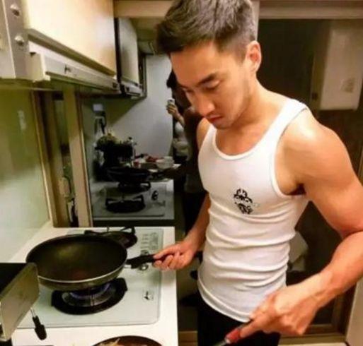 身材又好又温柔还会做饭的完美男友,是阿娇男友