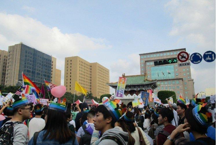 台湾同性恋群体将举行大游行 预估超12万人上街头