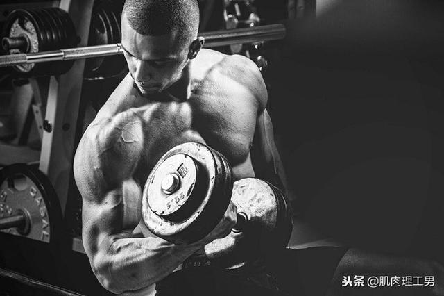 健身时充血,泵感,是导致我们肌肉增长的原因吗?