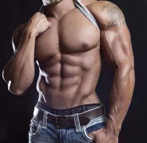如何打造完美又饱满的胸型,男人最性感的胸肌训练!