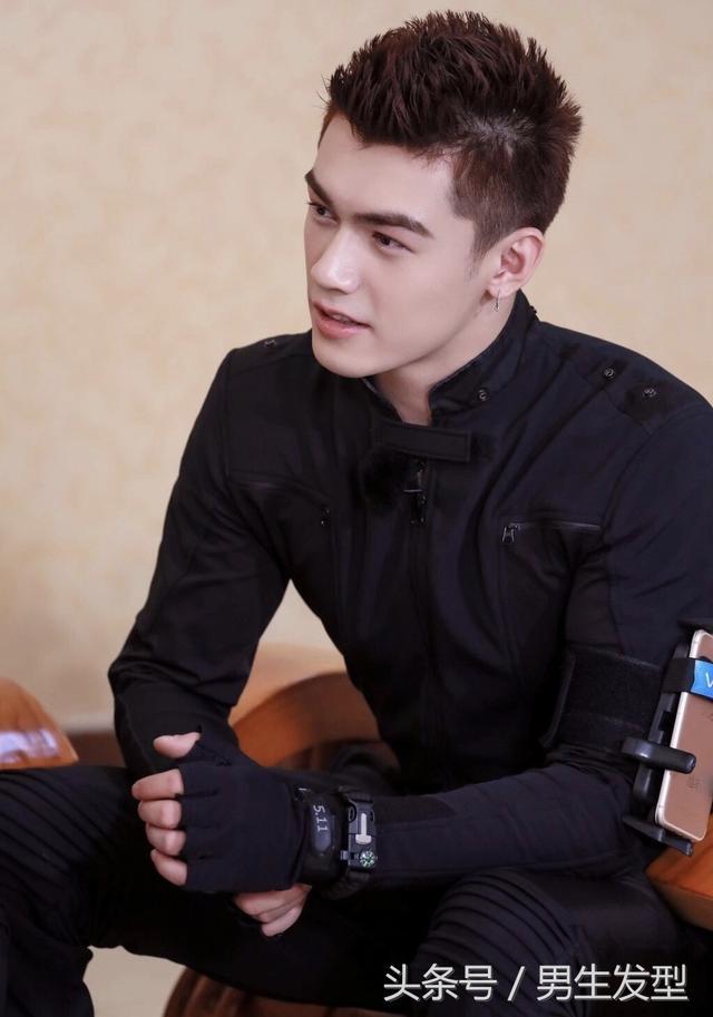 男生别乱剪发型了!18年帅气男生发型参考
