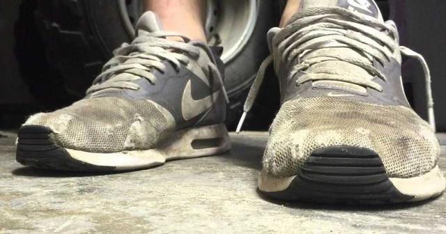 男生洗鞋注意这几点,穿几年都不显旧